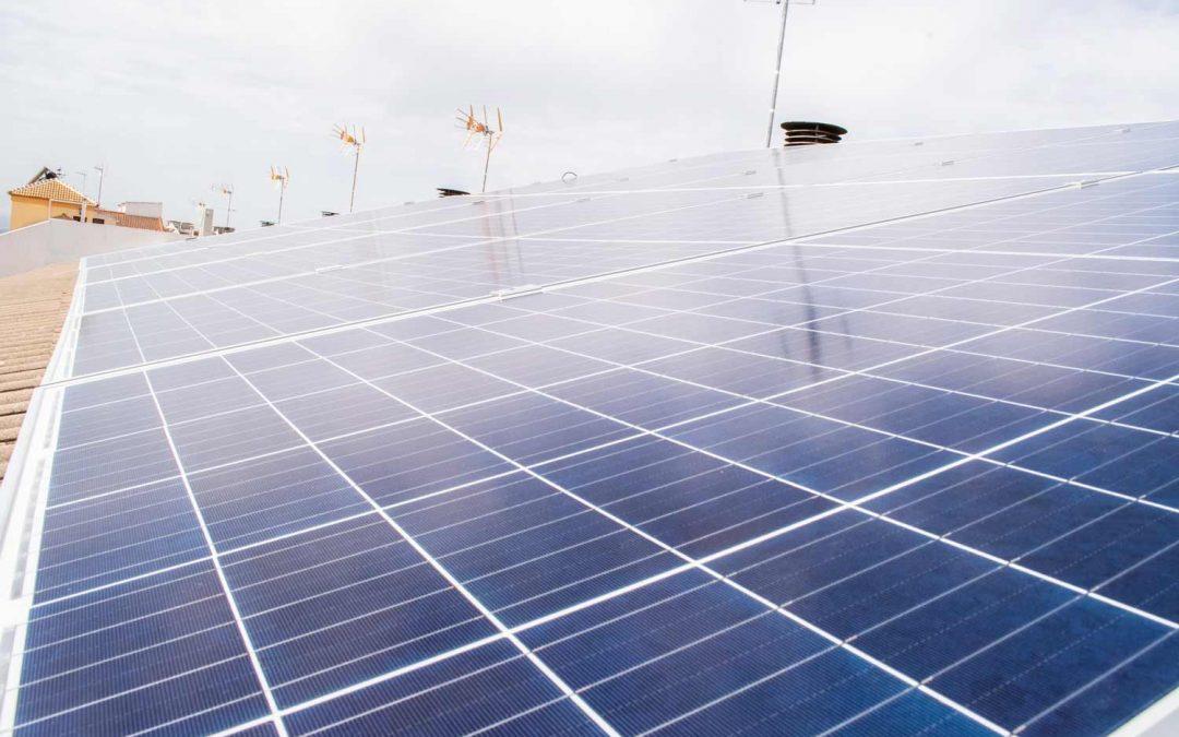 ¿Generan los paneles solares electricidad en días de lluvia?